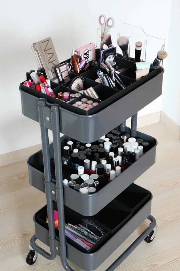 DIY-makeup-organizers-13